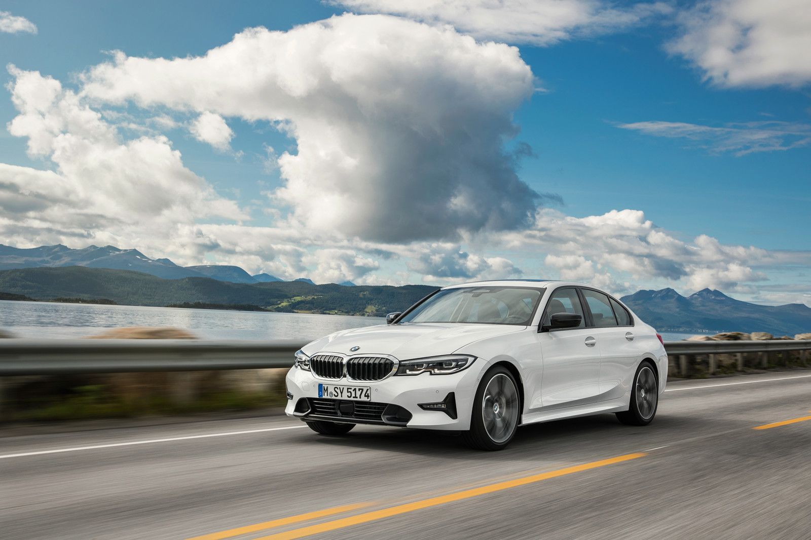 Foto de BMW Serie 3 2019 (43/131)