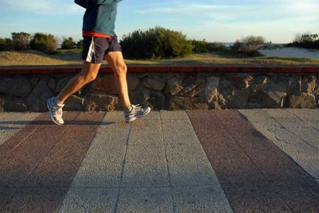 como disminuir el dolor muscular antes de correr