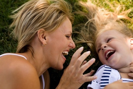 Las 12 razones por las que las tías son una compañía increíble para sus sobrinos