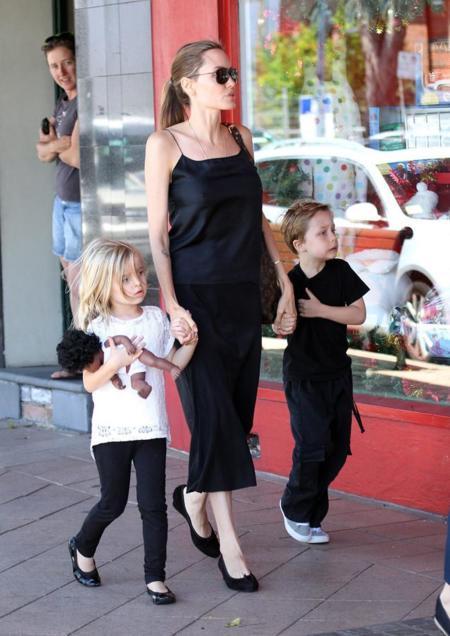 Angelina Jolie & Pb