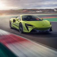 ¡Brutal! Nuevo McLaren Artura: 680 CV y 1.495 kg para la era de los superdeportivos híbridos enchufables