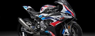 ¡Sorpresa! BMW M 1000 RR: alerones, 212 CV y sobredosis de fibra de carbono con el objetivo puesto en el WSBK