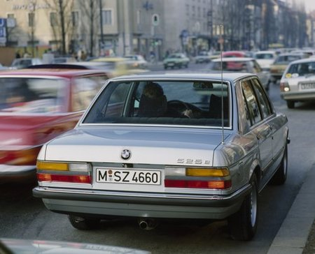 BMW-Serie5-2generacion-09