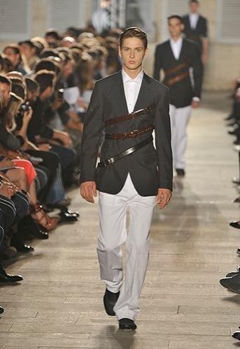 Raf Simons, Primavera-Verano 2010 en la Semana de la Moda de París IV