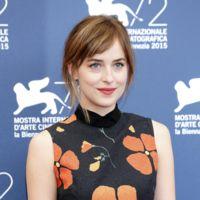 Dakota Johnson en Venecia ¿mejor con recogido o melena?