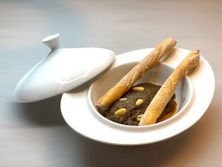El Ajo Pringue Es El Unico Plato Que Lleva En El Restaurante Desde El Primer Dia