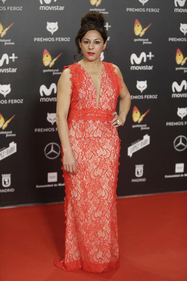 premios feroz alfombra roja look estilismo outfit Cristina Medina