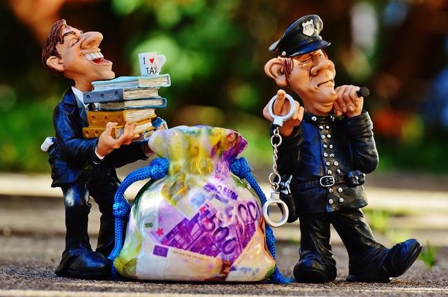 Impuestos Policia Dinero
