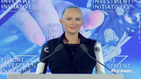 Sophia pasa de bromear con acabar con los humanos a convertirse en el primer robot ciudadano de Arabia Saudí