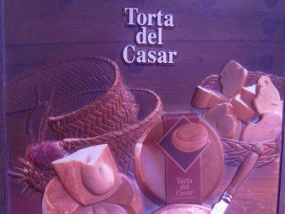 La Torta del Casar, una delicia extremeña en forma de tapa en Madrid