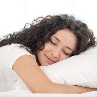 Cómo cuidar tu piel mientras duermes