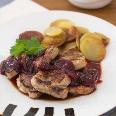 Solomillo de cerdo con salsa de cerezas, receta fácil, rápida y deliciosa