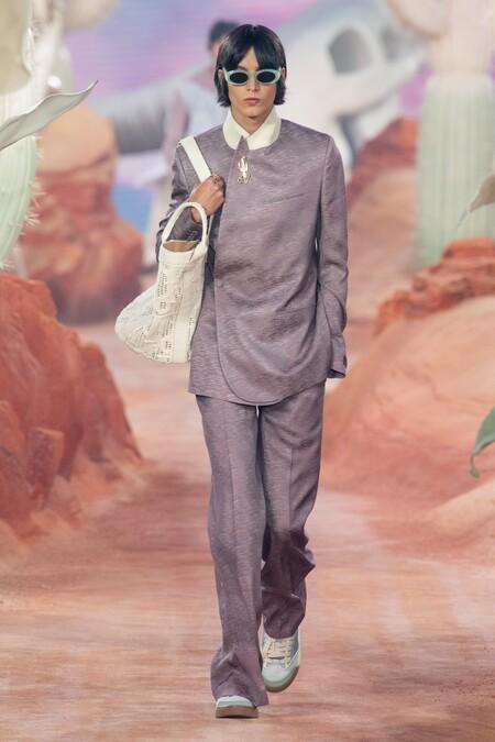 Dior Men Summer 2022 Runway Looks 17
