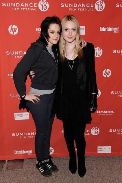 Foto de Kristen Stewart y Dakota Fanning  en el Festival de Sundance (3/10)