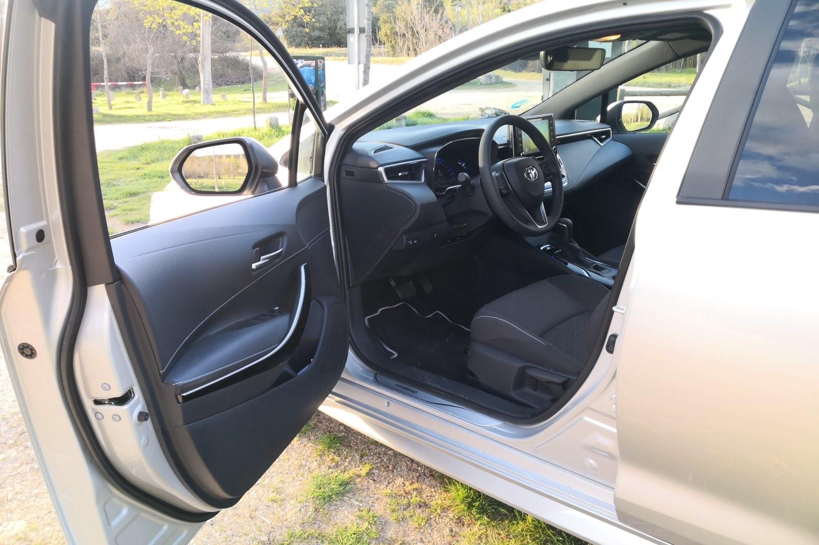 Foto de Toyota Corolla 125H - Imágenes del interior (5/14)