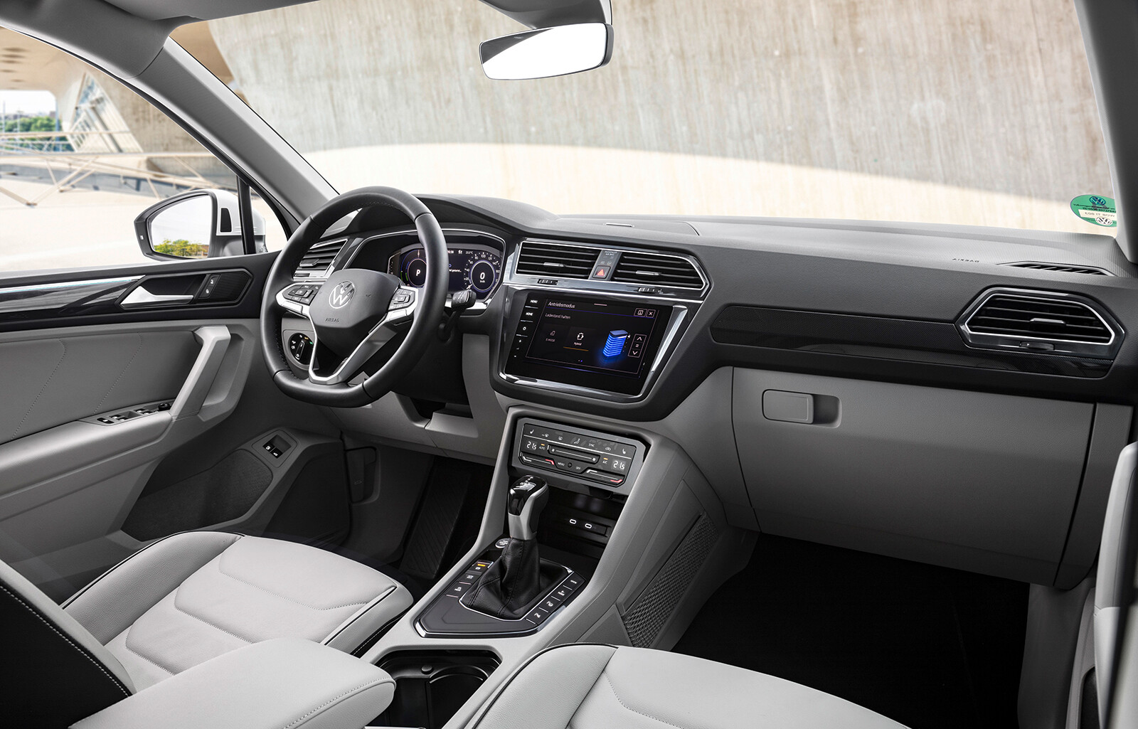 Foto de Volkswagen Tiguan eHybrid 2021 (7/8)