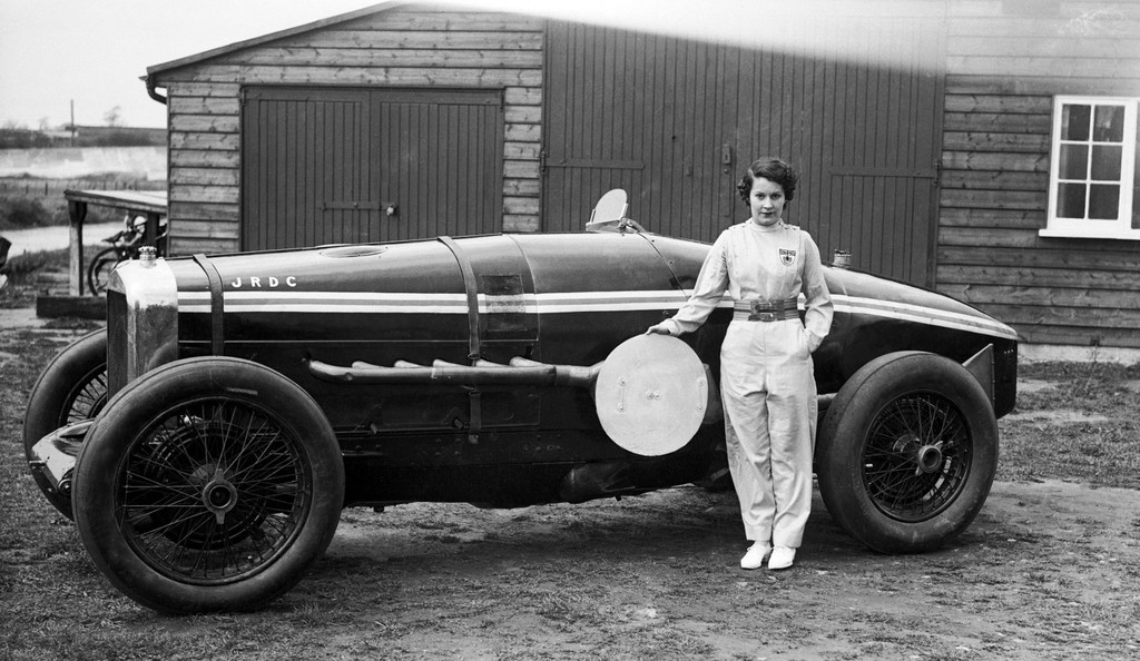 Kay Petre, la piloto que 'voló' a 215 km/h con su Delage V12 en el circuito de Brooklands