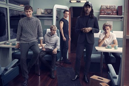 Una navidad en gris: la apuesta de H&M en looks para pasarla en familia