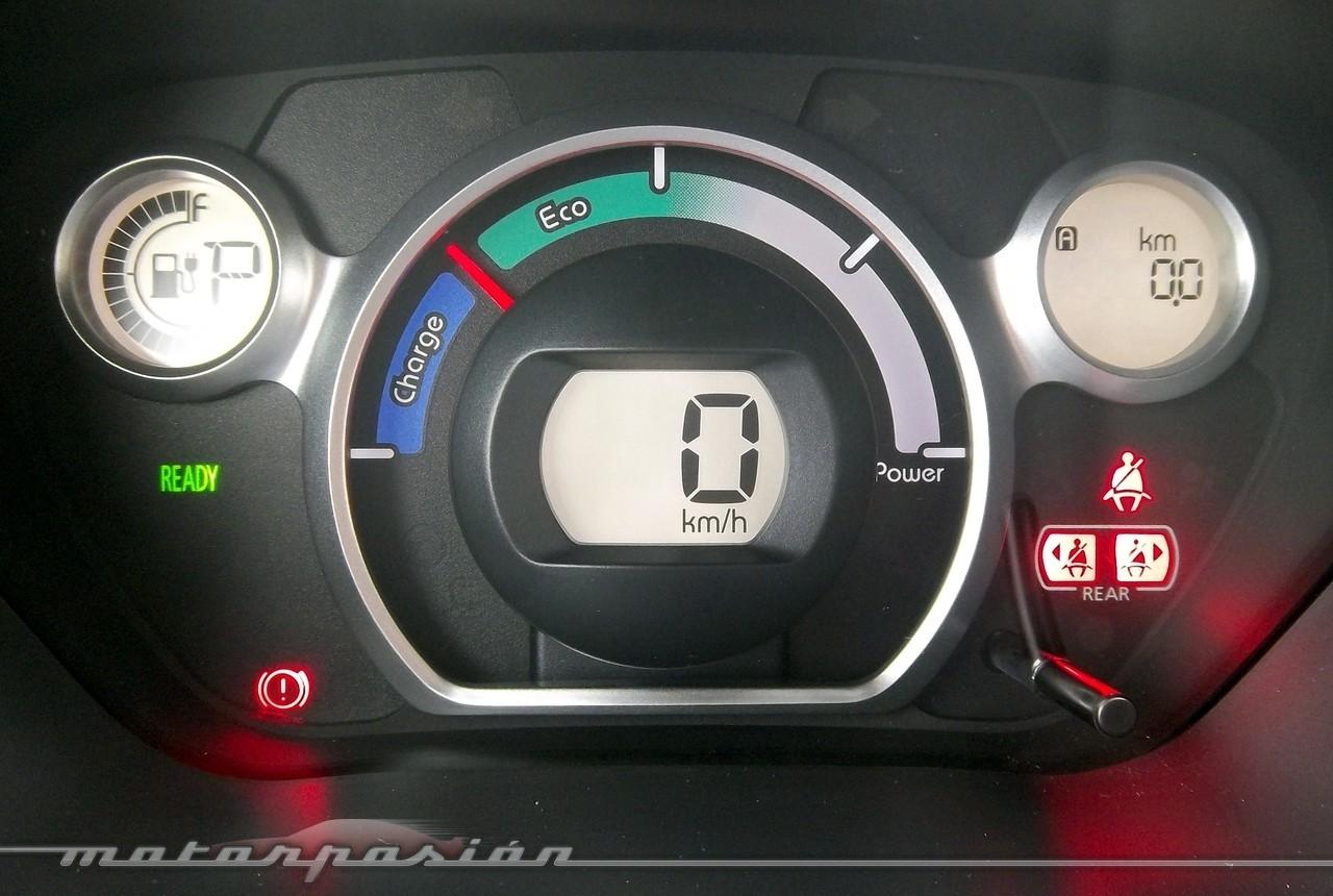 Foto de Peugeot i0n (presentación) (11/50)