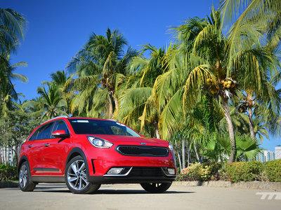 Manejamos el KIA Niro, ¿puede KIA hacer un mejor híbrido que Toyota?