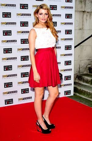 Mischa Barton, muy guapa, por una causa benéfica en Londres