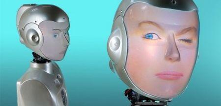 El robot que pone la cara de la persona con la que hablas