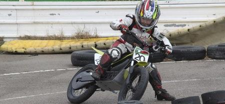 Anunciada una Copa Supermotard de motos eléctricas para niños