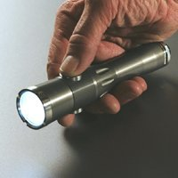 Angus Noble Indium Smart Flashlight, la primera linterna programable