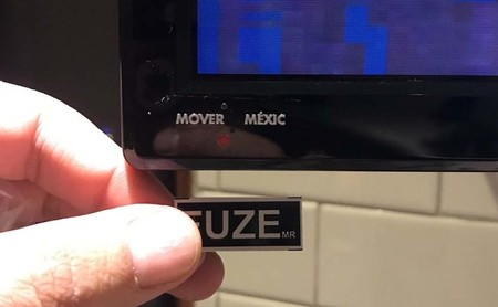 """Si compras una tele FUZE en Amazon México y tiene la leyenda """"Mover a México"""", no temas, es una compra legal"""