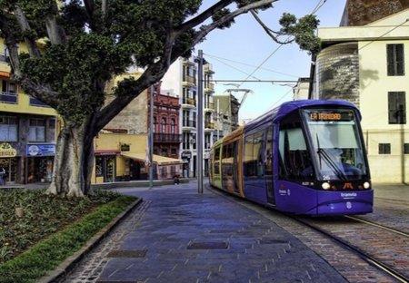 El tranvía con descuentos y promociones en más de 800 comercios de Tenerife