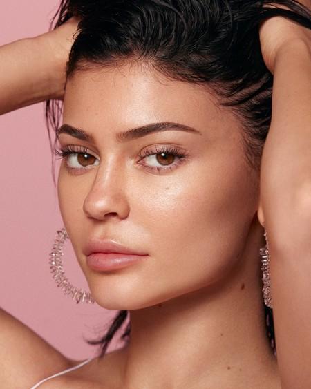 Kylie Skin Douglas12