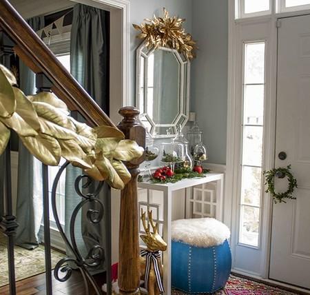 DIY con spray dorado y hojas naturales para decorar la Navidad más hogareña