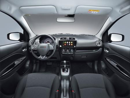 Dodge Attitude 2019 Interior1