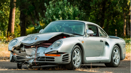 """¡Eso sale con 'polish'! A subasta un valiosísimo Porsche 959…""""ligeramente"""" dañado"""