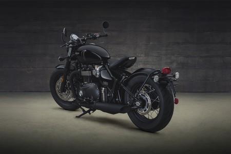 Triumph Bonneville Bobber Black 2018 024