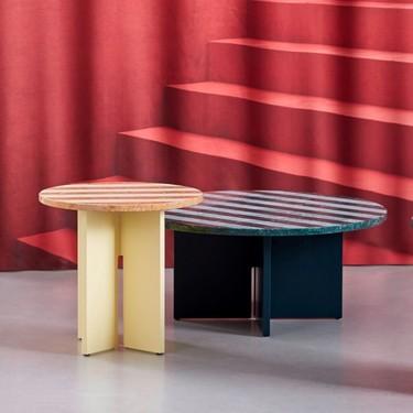 Las apariencias engañan, esta mesa de centro no es lo que parece, no es de cartón sino de mármol de color y madera de roble