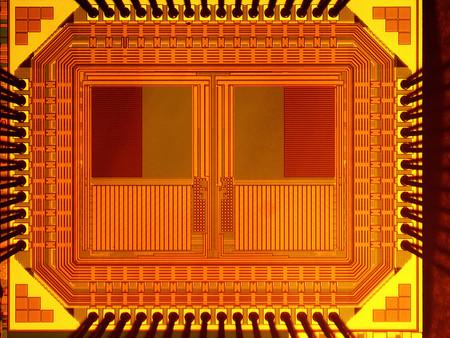 Ingenieros crean un sensor autónomo que se alimenta con la luz incidente