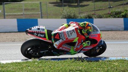 Valentino Rossi ya vuela sobre la Ducati Desmosedici GP12