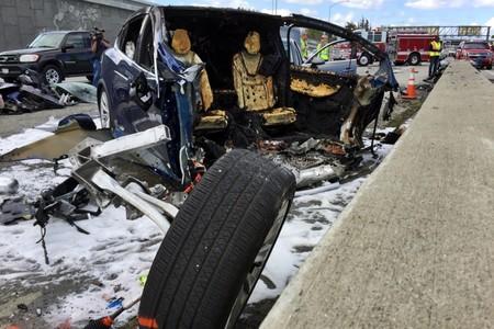 Se avecina una batalla legal entre Tesla y la familia del conductor fallecido al volante de un Model X