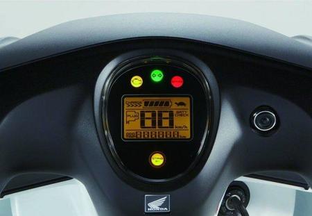 Detalle cuadro de instrumentación Honda EV-Neo