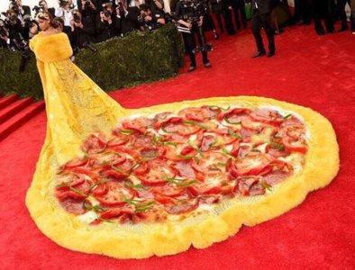 Rihanna y Sarah Jessica Parker protagonizan los memes de la Gala Met 2015