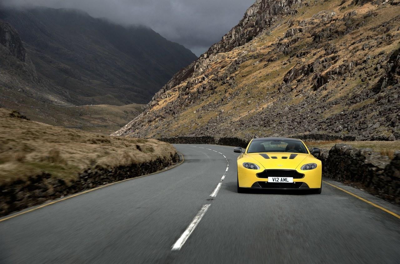 Foto de Aston Martin V12 Vantage S (12/34)