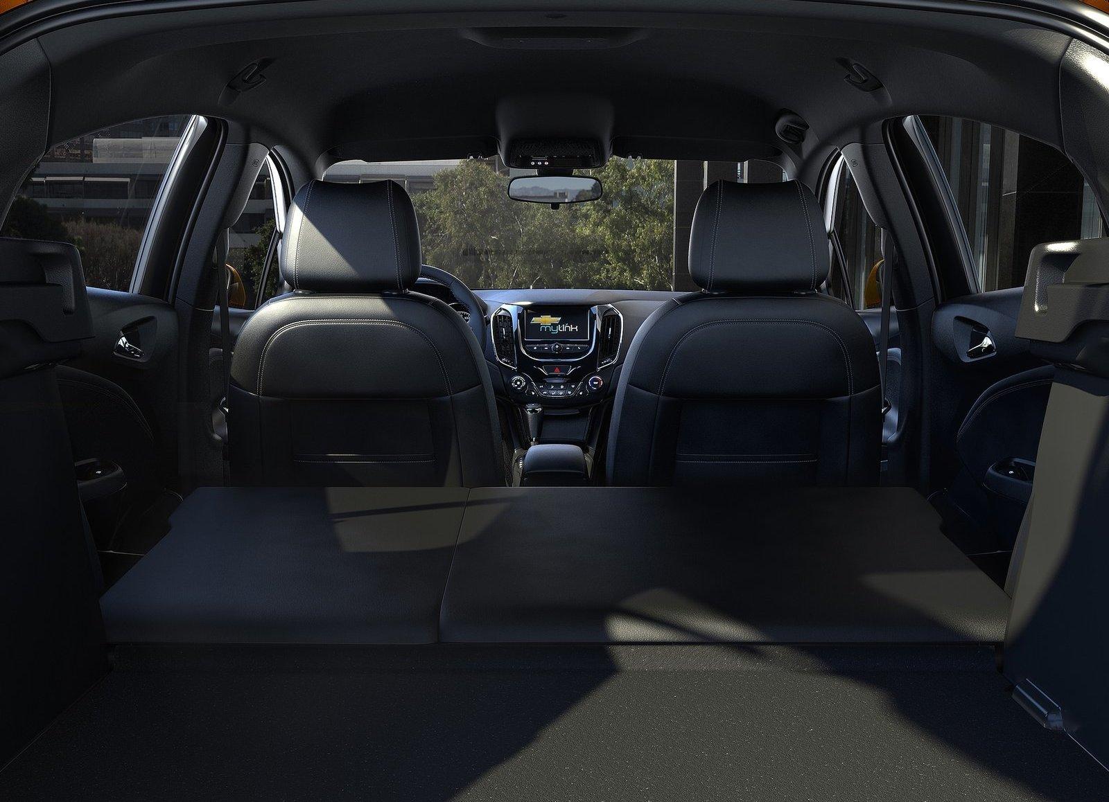 fotos más de Chevrolet Cruze Hatchback 2017