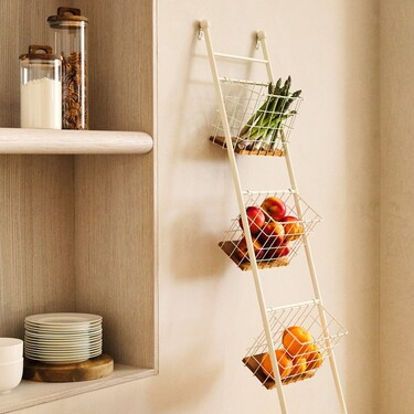 Los muebles y complementos de almacenaje más bonitos de Zara Home para poner estilo y orden en tu cocina