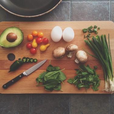 Te decimos cómo empezar a cocinar, si no sabes y quieres empezar a hacerlo