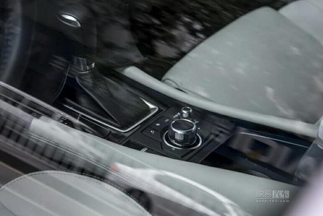 Mazda Crossover 4 6