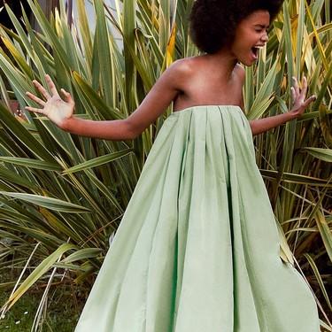 Las bodas en septiembre se visten de Zara: ocho vestidos de invitada perfectos para las que han esperado al último momento