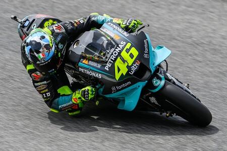 Valentino Rossi como gran incógnita de un acelerado mercado de MotoGP para 2022 al que le quedan pocos huecos