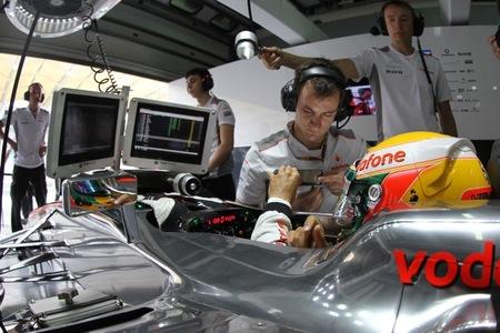 Lewis Hamilton confirma la pole position escudado por Jenson Button