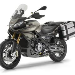 Foto 9 de 24 de la galería aprilia-caponord-1200-rally-estudio-y-accesorios en Motorpasion Moto